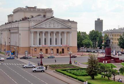 М.Джалиля - ведущий театр