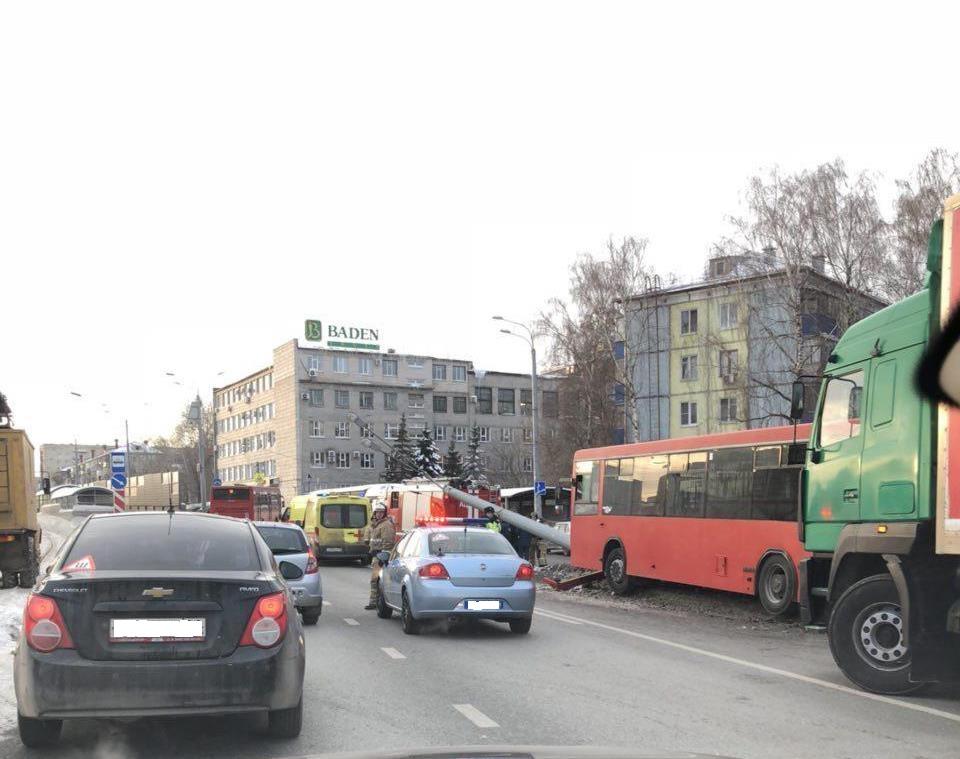 ВКазани врезультате происшествия надороге савтобусом пострадали 15 человек