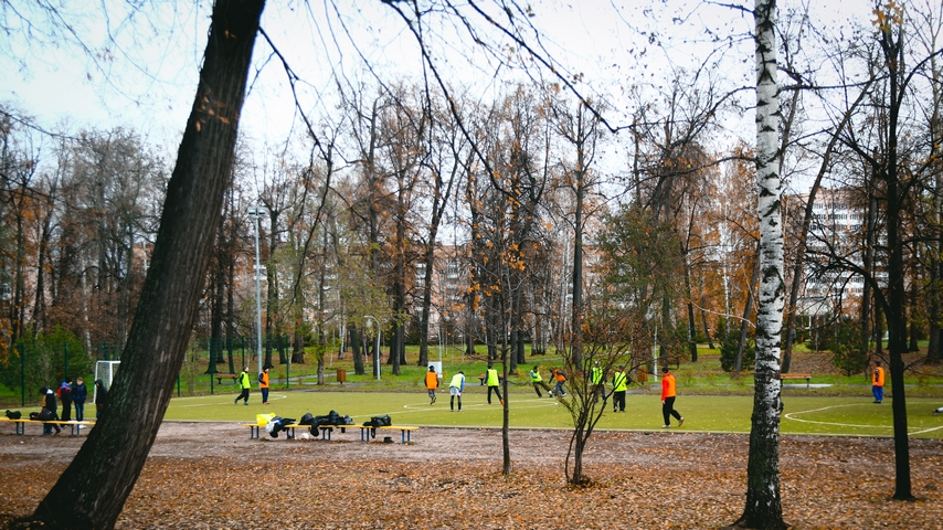 Новая футбольная площадка. 2015 год. Фото: cod16.ru