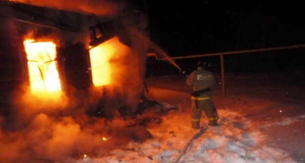 ВТатарстане мужчина спас изгорящего дома 2-летнего ребенка
