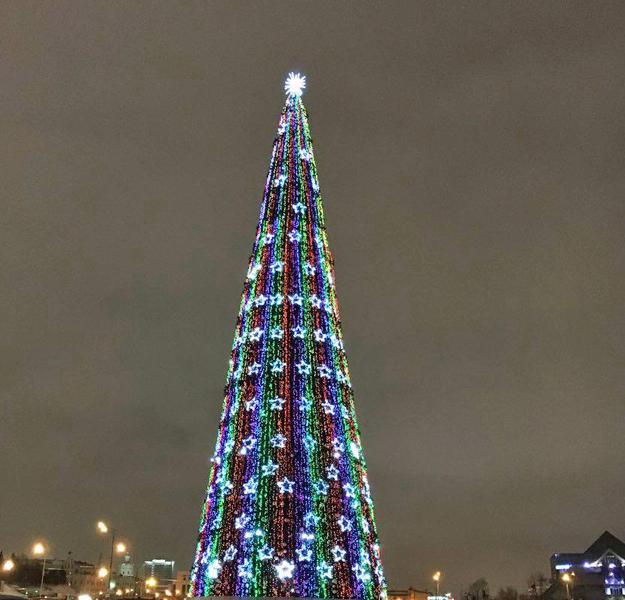 Главную елку Казани откроют вконце декабря