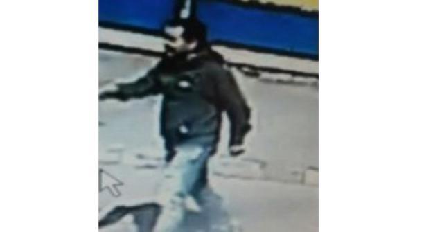 Полицейские Казани ищут мужчину, избившего пенсионера из-за парковки