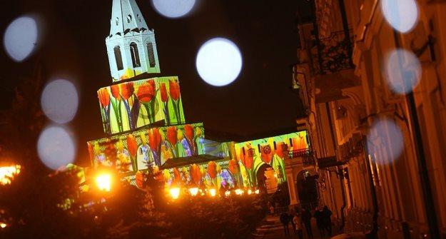 НаДворцовой площади проходит световое шоу