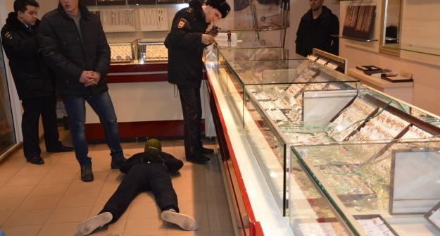 Милиция  раскрыла серию нападений наювелирные магазины вТатарстане