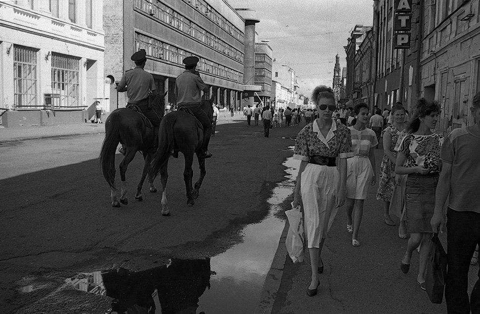 Улица Баумана, 1991 год. Фото: Евгений Канаев