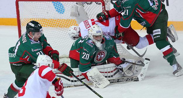 КХЛ отстранила арбитра занеправильно засчитанный гол «АкБарса» вворота «Спартака»
