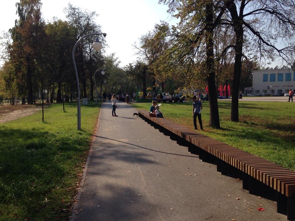 Скамейки в обновленном парке. 2017 год. Фото: ru.foursquare.com