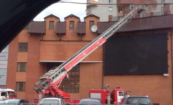 ВКазани в коммерческом  центре при помощи  тепловизора определен очаг пожара