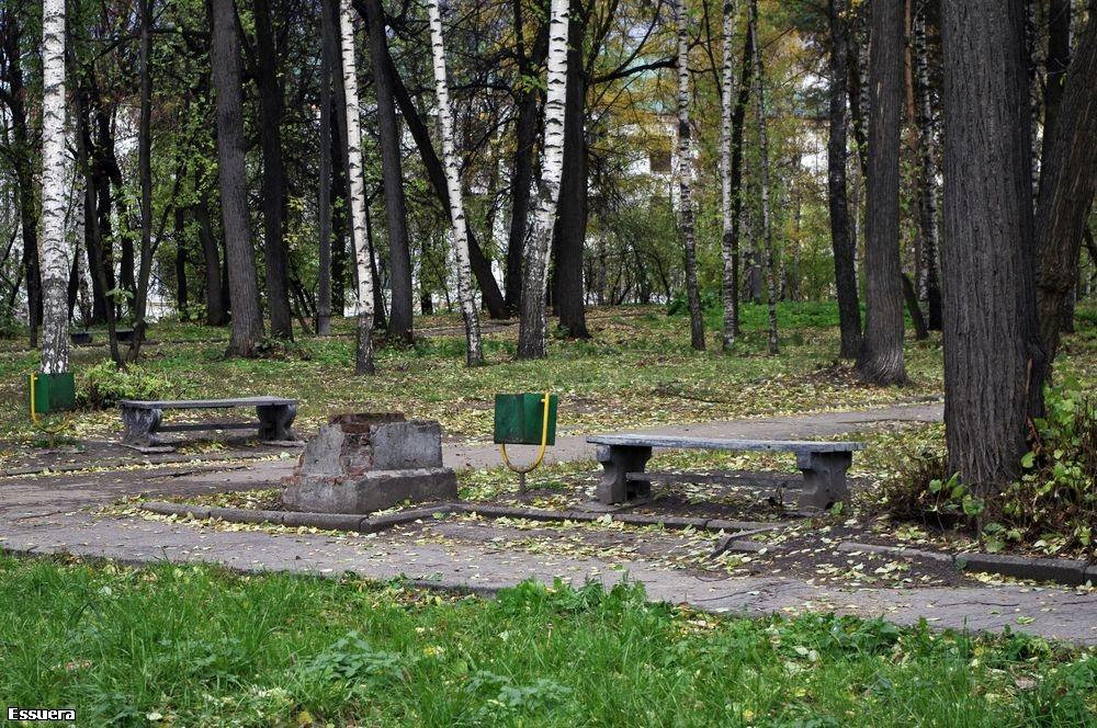 Старые скамейки. 2010 год. Фото: skyscrapercity.com