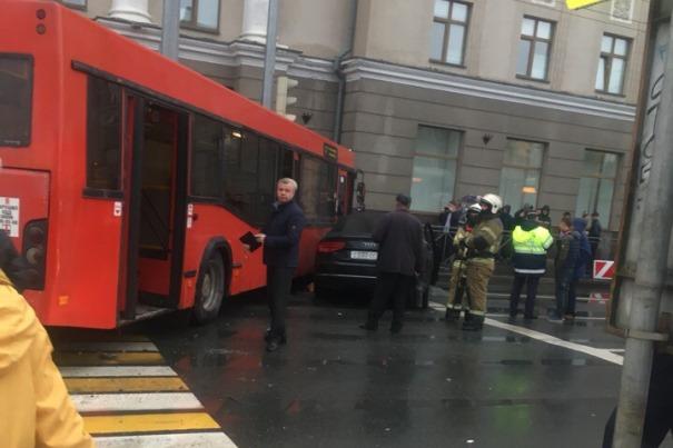 Авария на перекрестке Татарстан – Салимжанова Фото: vk.com