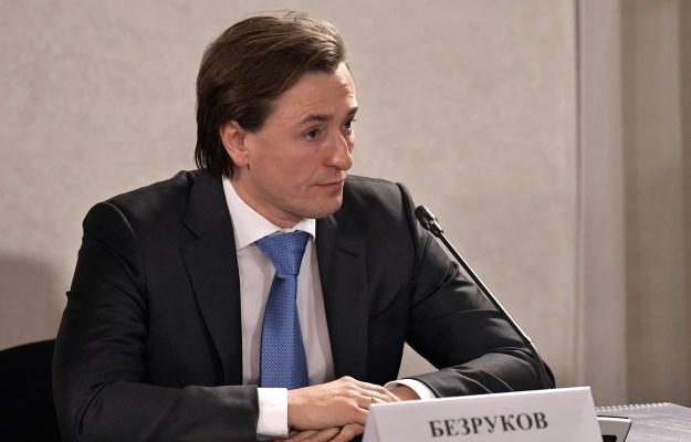 Безруков сказал Путину опроблемах кукольного театра вНабережных Челнах