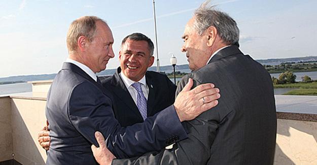 Путин иМедведев поздравили первого президента Татарстана с80-летием
