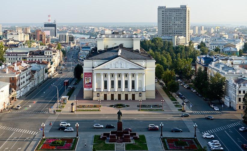 Ильсур Метшин ознакомился спроектами благоустройства улицы Большой Красной иплощади Свободы