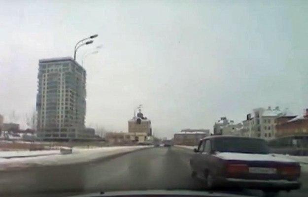 ВКазани полицейские устроили погоню сострельбой за нетрезвым водителем